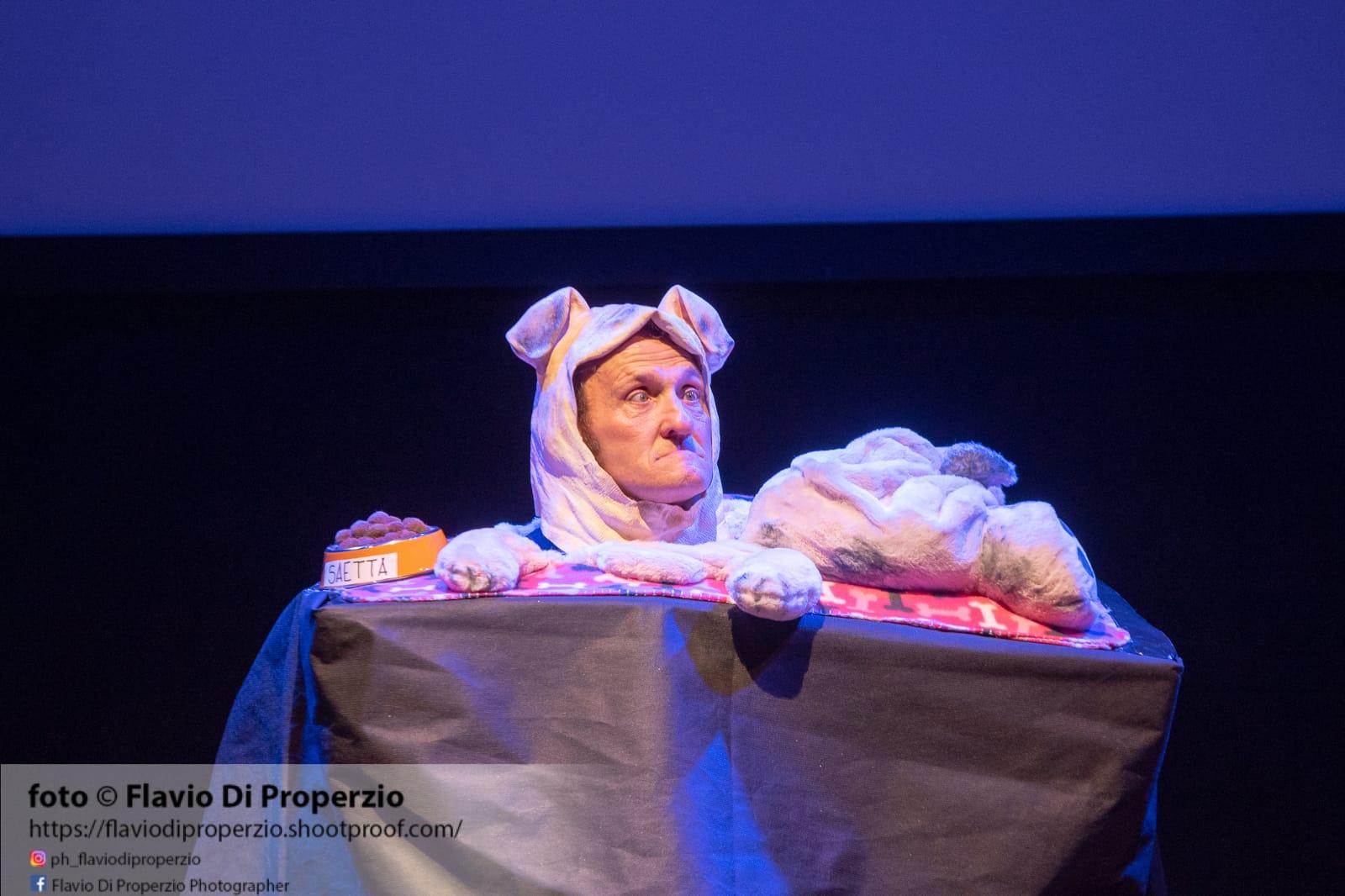Photo of Attore cane ? Grande successo per lo Show Teatrale di Enzo Salvi , geniale ed innovativo
