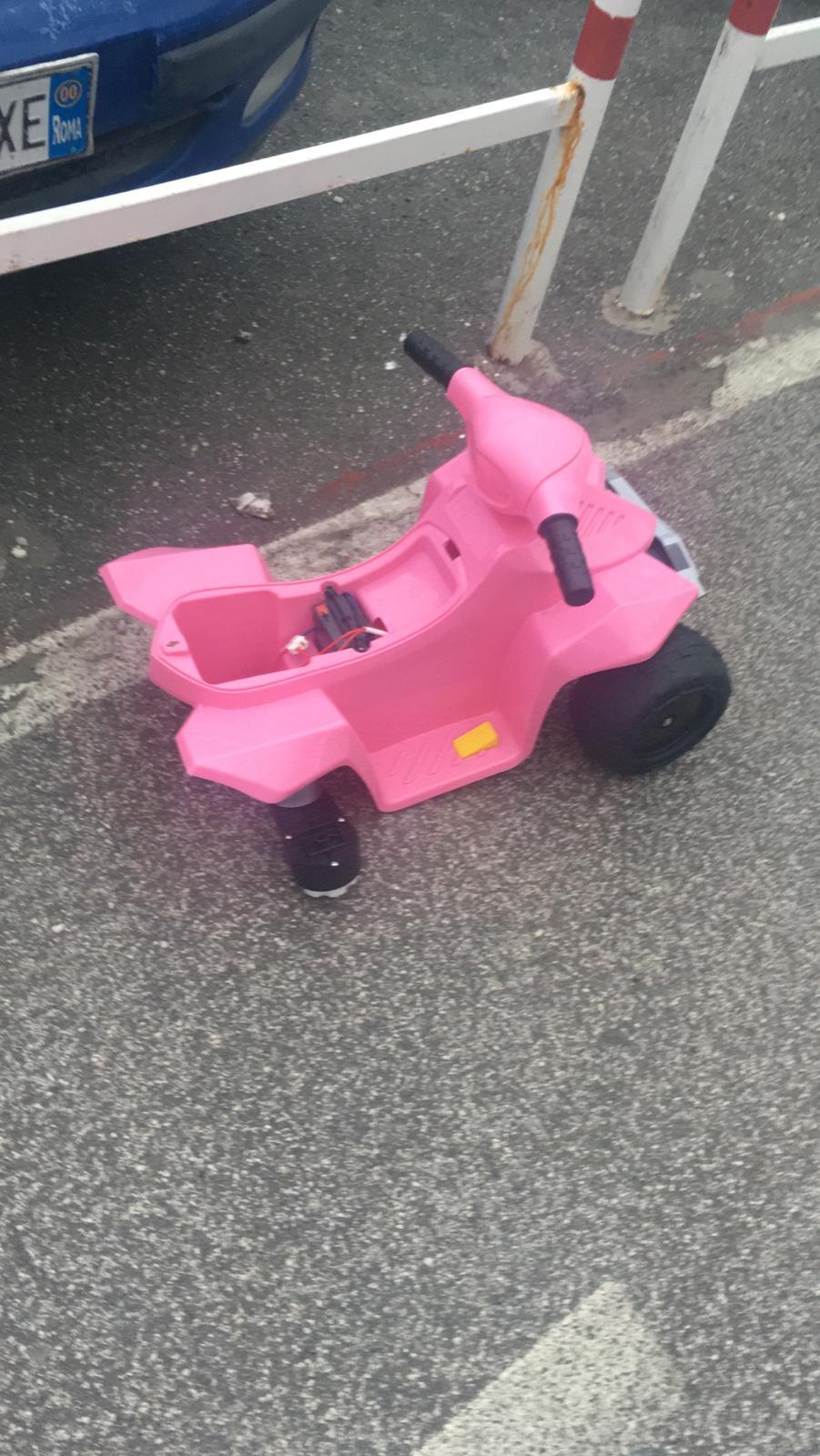 Photo of 1 minuto per un gelato , e ops, spariscono ruote e motore della macchinina giocattolo