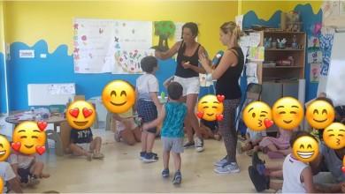 """Photo of I bambini di Foligno incontrano i """"Pennuti"""" di """"Passione Pappagalli Free Flight"""""""